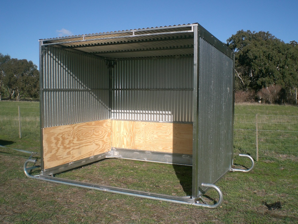 Mobile Horse Shelter : Paton livestock equipment mobile shelter large